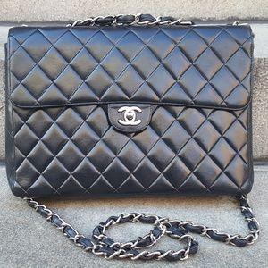 HOST PICK !!!!! Chanel Jumbo Single flap purse